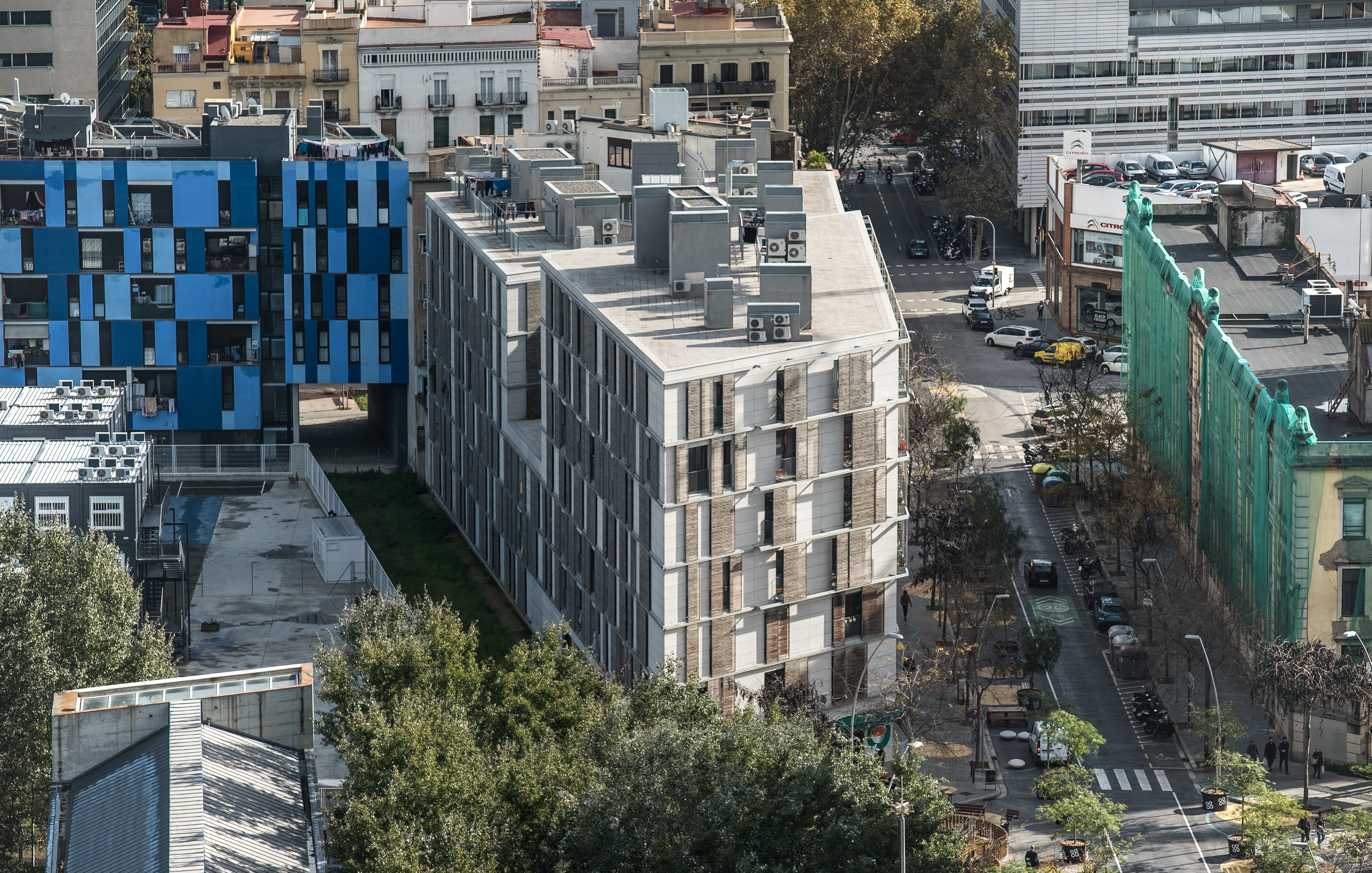 95 PUBLIC HOUSING IN C/ ROC BORONAT 89, BARCELONA